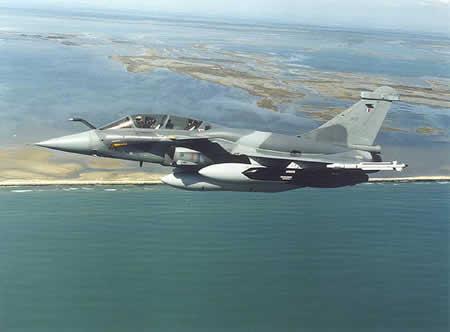"""""""阵风""""是法国达索飞机公司为法国海空军研发的新一代战斗机."""