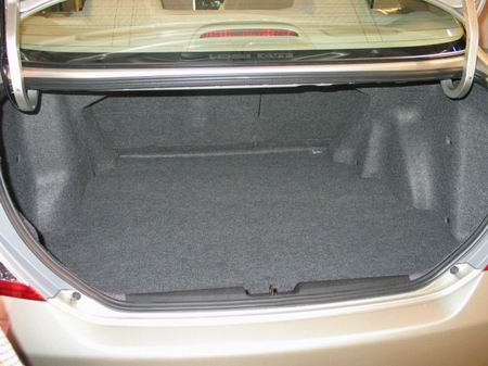 飞度轿车后备箱(图)