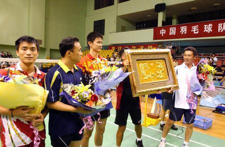 中国羽毛球队明星对抗赛在厦门举行 2