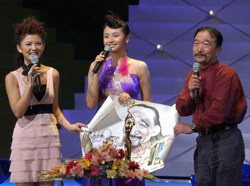 图文:金鹰节闭幕―群星闪耀的颁奖典礼-25