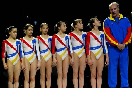 罗马尼亚体操队_世界体操锦标赛 罗马尼亚获得女团亚军(图文)