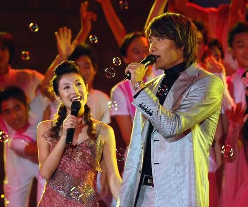 图文:金鹰节闭幕―群星闪耀的颁奖典礼-24