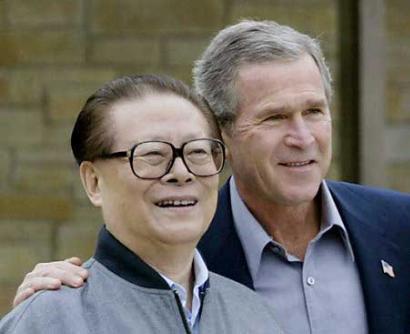 江泽民主席与布什总统在