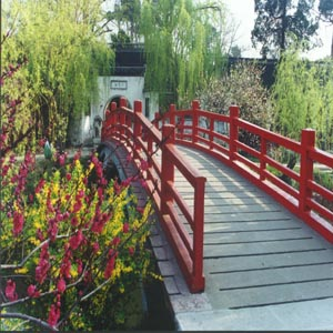 新闻 国内    瘦西湖风景区位于历史文化名城扬州西北郊,是蜀冈?