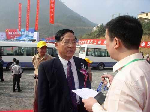 图文:贵州省党委副书记曹洪兴接受搜狐网专访