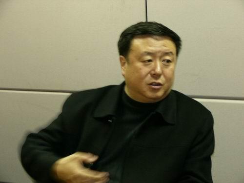 图文:11月13日著名导演尤小刚做客搜狐-130