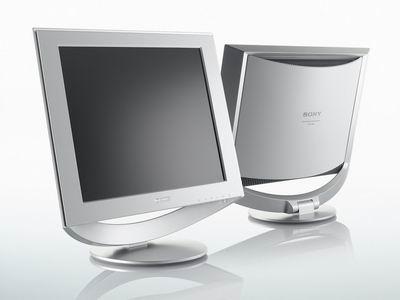 这台显示器属于索尼今年推出的hs系列产品,型号是sdm-hs73,从型号看就