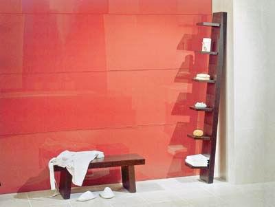 如果是几种颜色搭配,最好采用大色块穿插装饰