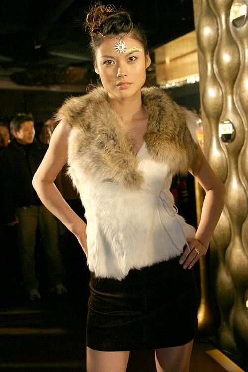 图文:名模美女云集千人时尚派对 佟晨洁