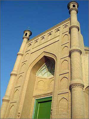 库车大寺是新疆第二大清真寺