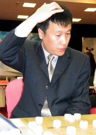 中国象棋南北对抗赛 陶汉明在比赛中(图文)图片