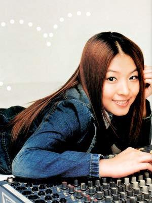 图文:日本明星权宝儿写真-(1)