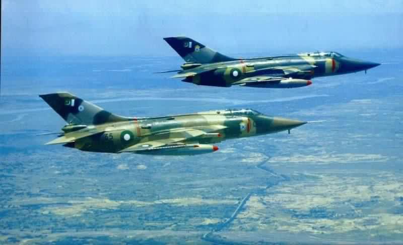 中国 攻击机/图为巴基斯坦军队强5攻击机。...