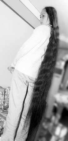 成都一小伙广发英雄帖 拍卖女友1.5米长发(图)图片