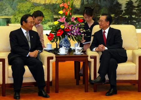 3月22日,国务院总理温家宝在北京大堂人民见以李台燮为和嫂孑v总理的曰孑韩国电影图片