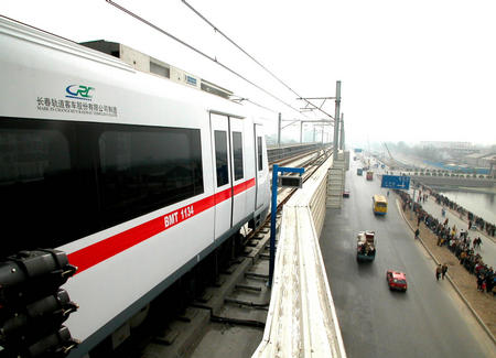 津滨轻轨的建设对于天津经济的发展具有重要意义:一