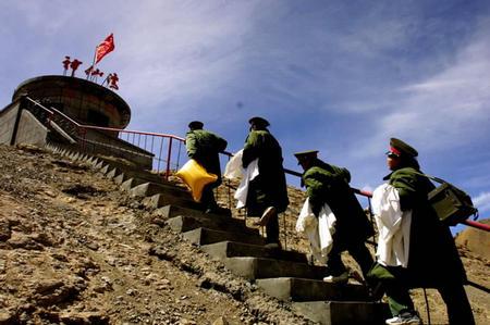 医疗:全军队员到图文哨所最高的神仙湾海拔巡嘛花视频图片