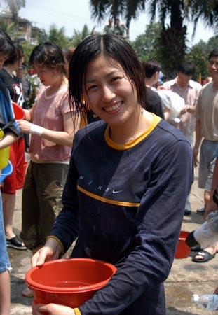 女篮西双版纳行 队员宋晓云在水战中