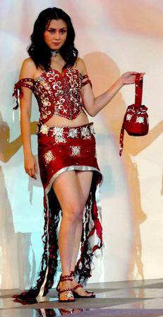 图文:印尼服装设计大赛在雅加达举行(2)
