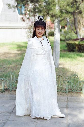 手绘古装白衣女侠