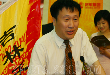 图文:2004中国象甲联赛开盘 吉林选手陶汉明图片