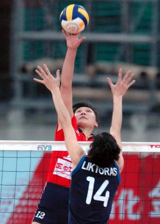 中国国际女子排球赛 王琳二号位扣球