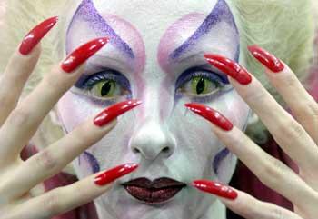 俄罗斯大胆人体艺术超大胆_组图:俄罗斯人体艺术时尚大赛