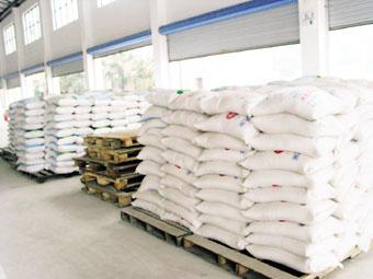 2万平方米粮食仓库已经储藏了不少大米.浦敏琦 摄