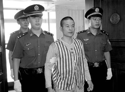 白云区法院昨对广东首宗压榨残疾儿童乞讨牟利案作出一审判决(组图)