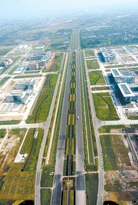 新闻频道 国内 广东新闻    与新机场高速相衔接的九大进出口存在一定