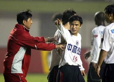 体育频道 中国足球 中超联赛-中国足球 04中超第8轮 青岛vs辽宁    中