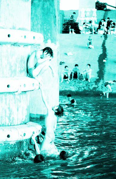 a美女的一跳!一美女学生溺水身亡(图)高清女中v美女图片