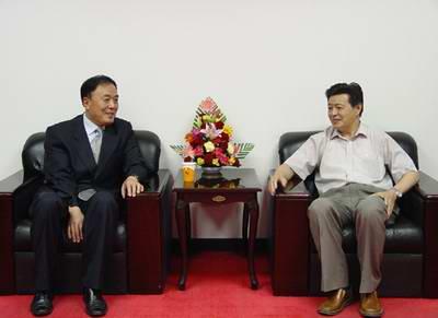 国航总裁李家祥做客人民网强国论坛(组图)