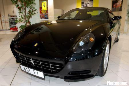法拉利在马赛推新款跑车612 scaglietti_搜狐汽车频道