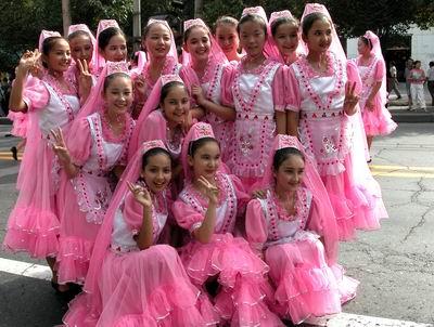 2004乌鲁木齐丝绸之路国际服装服饰节今开幕(图)