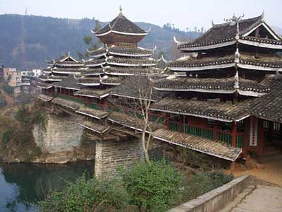 """贵州:民族建筑""""国宝""""风雨桥被冲毁(图)"""