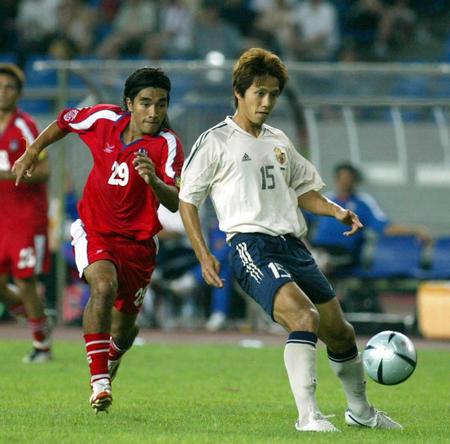 日本4 1大胜泰国晋级 福西崇史护球