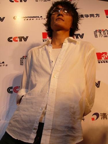 图文:第六届CCTV-MTV音乐颁奖盛典-采访图片(朴树1)