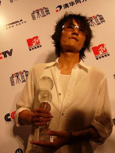 图文:第六届CCTV-MTV音乐颁奖盛典-采访图片(朴树5)