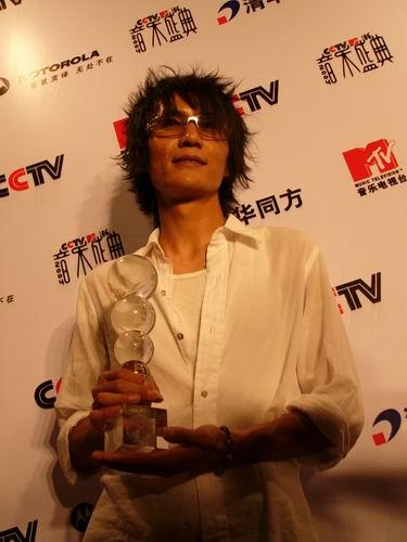图文:第六届CCTV-MTV音乐颁奖盛典-采访图片(朴树7)