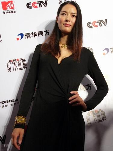 图文:第六届CCTV-MTV音乐颁奖盛典-采访图片(谢东娜7)