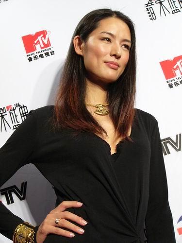 图文:第六届CCTV-MTV音乐颁奖盛典-采访图片(谢东娜5)