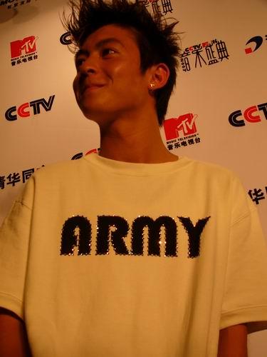 图文:第六届CCTV-MTV音乐颁奖盛典-采访图片(陈冠希1)