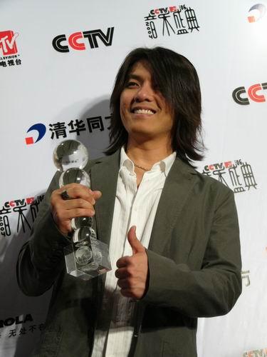 图文:第六届CCTV-MTV音乐颁奖盛典-采访图片(阿杜3)