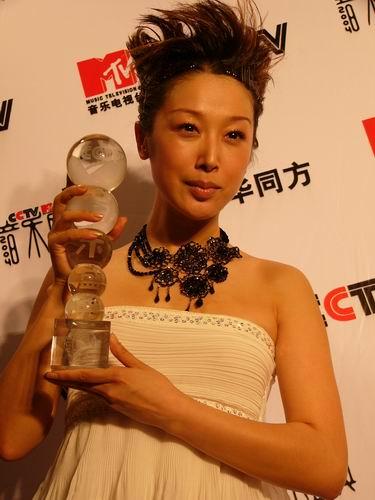 图文:第六届CCTV-MTV音乐颁奖盛典-采访图片(孙悦7)