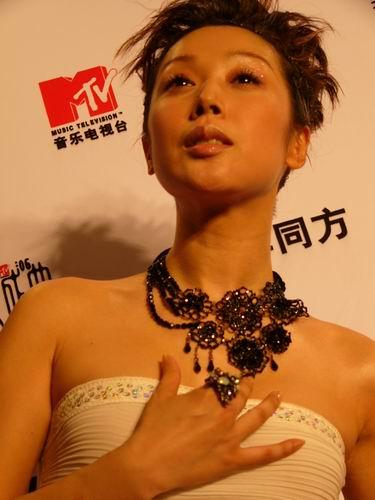 图文:第六届CCTV-MTV音乐颁奖盛典-采访图片(孙悦3)