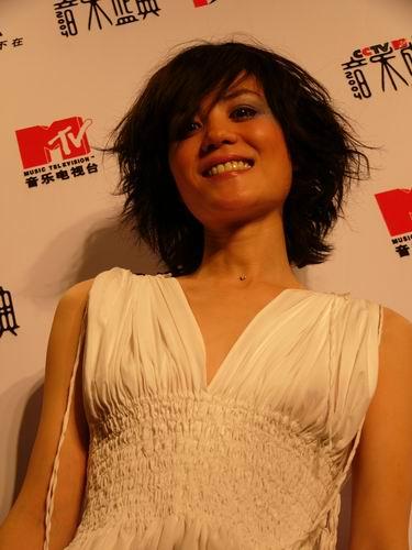 图文:第六届CCTV-MTV音乐颁奖盛典-采访图片(王菲5)