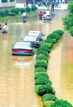 对外秦淮河引水,要研究省市水利部门联动机制,将武定门节制闸,红旗
