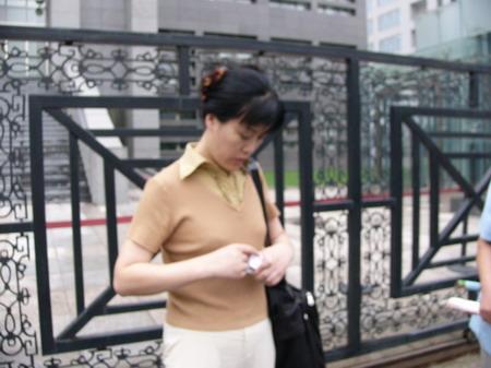 图文:赵忠祥和饶颖案再次开庭-代理律师郑红