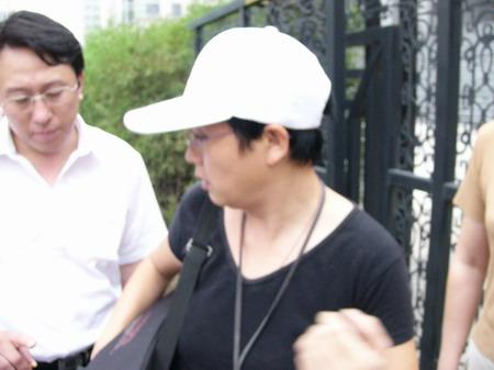 图文:赵忠祥和饶颖案再次开庭-首任律师皇甫大卫1